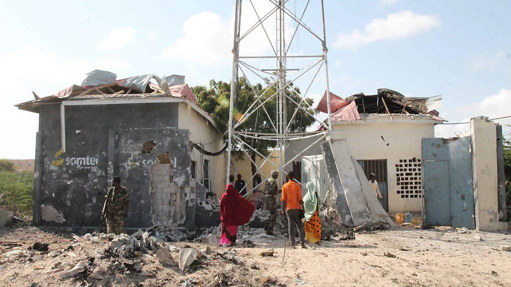 Autobombenanschlag in Somalia: Al-Shabaab-Miliz greift Strassensperre an. (Archivbild)