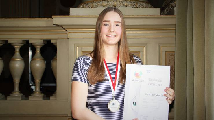 Caroline Weber aus Schnottwil, die die Kantonsschule Solothurn besucht, hat an der Schweizer Chemie-Olympiade den dritten Platz belegt und wurde mit Gold ausgezeichnet.