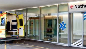 Die Gesundheitskommission des Nationalrats will eine Eintrittsgebühr für Notfallstationen von Spitälern. (Archivbild)