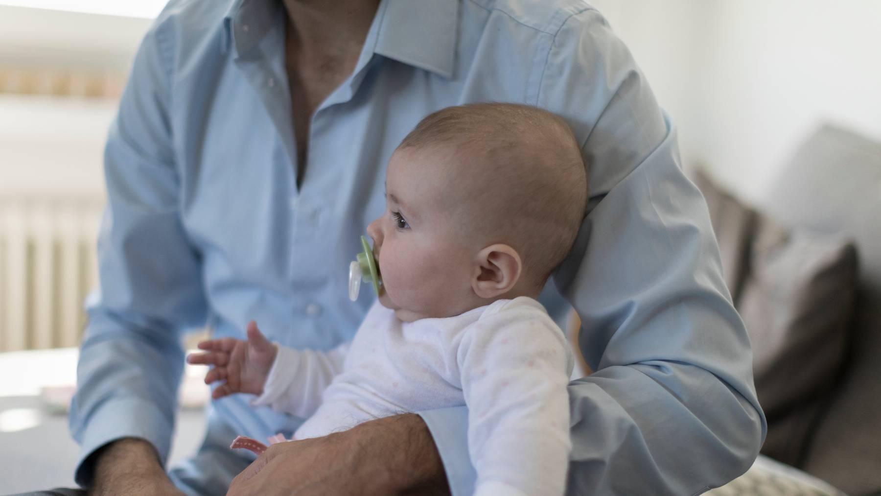 Zwei Wochen Vaterschaftsurlaub könne man sich nicht leisten, findet der Verband Gastrosuisse.