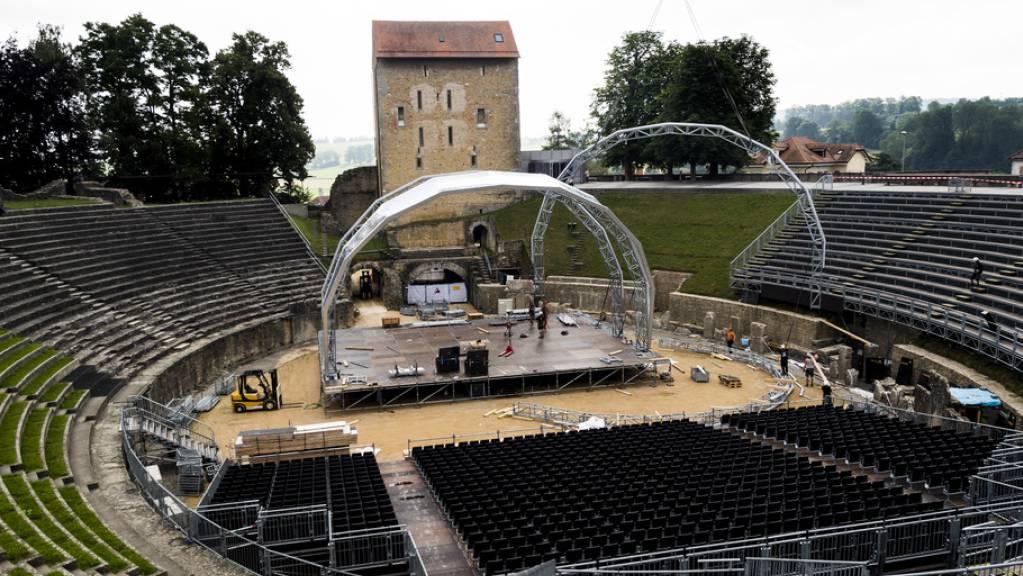 Das Amphitheater Avenches VD wurde im 2. Jahrhundert vollendet. Den Wehrturm am Osteingang, der heute das römische Museum beherbergt, liess der damalige Bischof von Lausanne im 11. Jahrhundert errichten. (Archivbild)