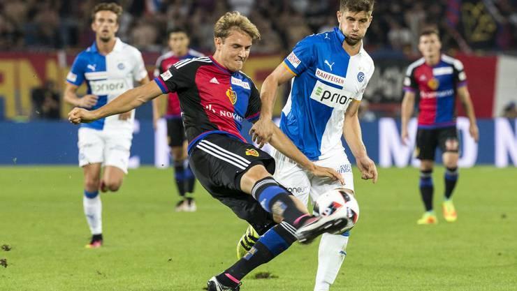 Im letzten Spiel konnte der FC Basel gegen GC 3:1 gewinnen. Daniel Hoegh, hier links im Bild, wird beim zweiten Aufeinandertreffen der Saison krankheitsbedingt aber nicht mittun können.