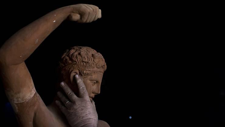 Bei Bauarbeiten in Athen ist der Marmor-Kopf einer Hermes-Statue gefunden worden. (Symbolbild)