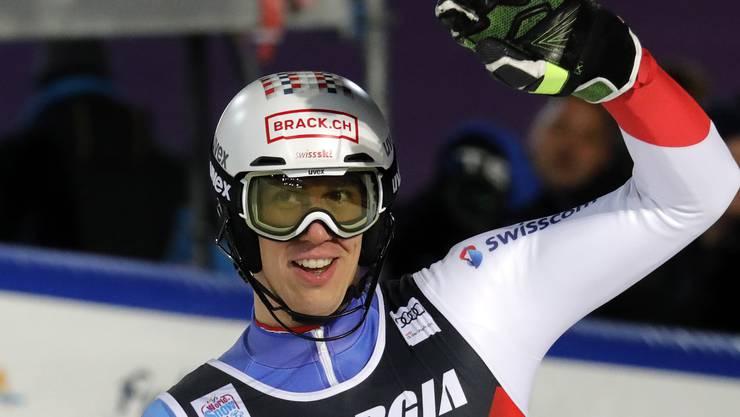 Der Schweizer Ramon Zenhäusern freut sich über Rang zwei in Zagreb.
