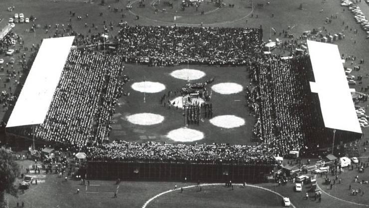 1961 ist die Arena nicht einmal halb so gross gewesen.