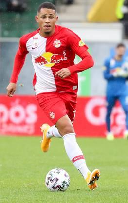 Noah Okafor spielt mit Red Bull Salzburg in der Königsklasse.
