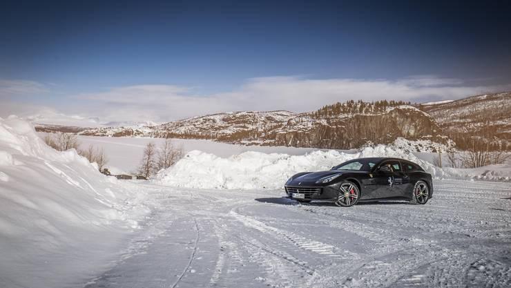 Ferrari GTC4Lusso am Polarkreis.
