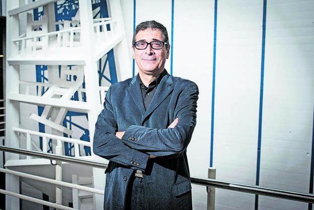 Werner De Luca, Rektor der Kantonsschule Limmattal.