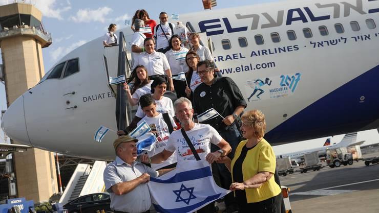 Tel Aviv ist weltweit Anziehungspunkt für die Juden: Hier landen Franzosen auf dem Flughafen Ben Gurion in der israelischen Hauptstadt. Keystone