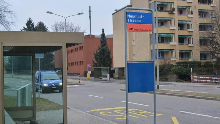 Darum gehts: Die Kommission des Kantonsrats fordert hier eine Busbucht. Im Hintergrund die zweite (südliche) Haltestelle – die SVP will auch dort eine Busbucht.