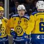 Die Davoser freuen sich über das 4:1 von Perttu Lindgren (Mitte)