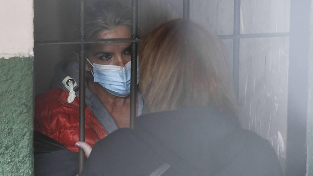 Vier Monate U-Haft für Ex-Übergangspräsidentin Áñez