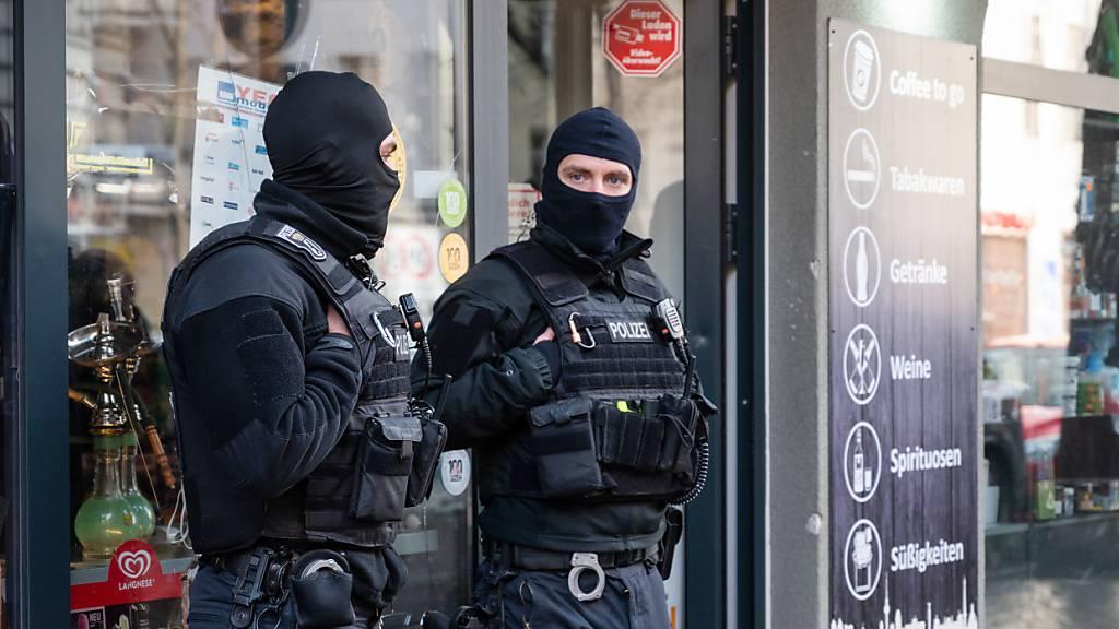 Razzia gegen Clankriminalität mit Hunderten Polizisten in Berlin
