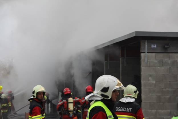 Rund 80 Feuerwehrleute waren im Einsatz.