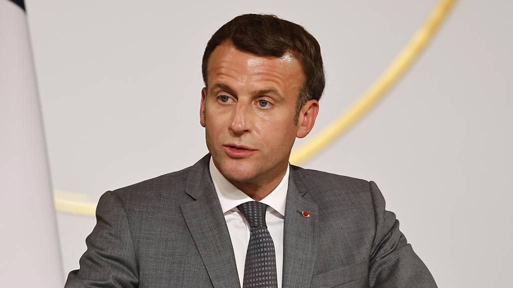 Der französische Präsident  Emmanuel Macron hat wegen der Krise um Afghanistan Gespräche mit dem russischen Präsidenten Putin, mit dem italienischen Ministerpräsidenten Mario Draghi, dem britischen Premierminister Boris Johnson und der deutschen Bundeskanzlerin Angela Merkel geführt. (Archivbild)