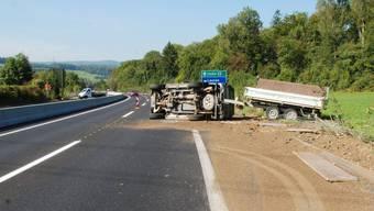 Für die Bergungs- und Aufräumarbeiten musste die Autobahn in Richtung Lausen/Liestal für etwas mehr als zwei Stunden gesperrt und der Verkehr werden.
