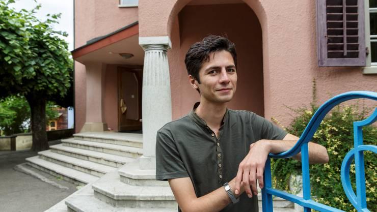 Nima Pour Jakub ist anerkannter Flüchtling und leitet ein Flüchtlingsprojekt. An der Rudolf-Steiner-Schule in Langenthal wird er künftig als Lehrer arbeiten.