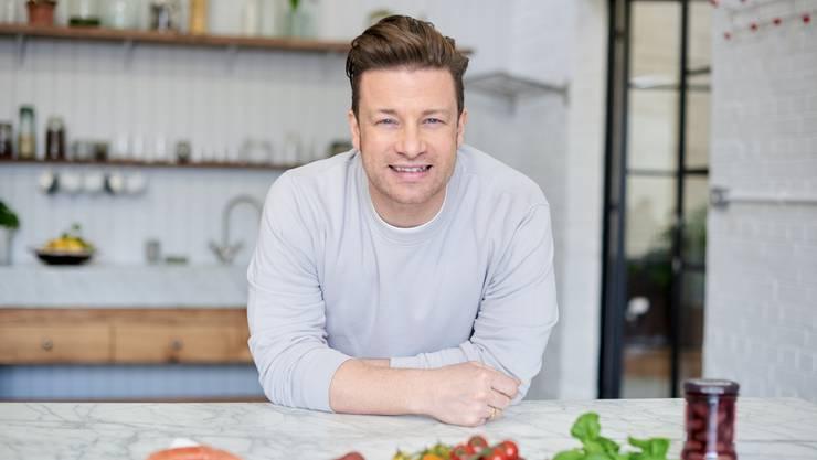 Weihnachtsessen Jamie Oliver.Star Koch Jamie Oliver Weihnachten Verbringen Wir Im Pub
