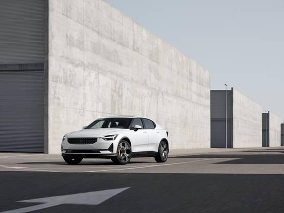 Zwar ist Volvo in Genf nicht präsent. Dafür aber Polestar, die Tochtermarke, die für sportliche Fahrzeuge mit alternativem Antrieb einstehen will. Auf den Polestar 1 mit Plug-in-Hybrid folgt nun der Polestar 2. Die viertürige Fliessheck-Limousine leistet 408 PS und will mehr als 500 Kilometer mit einer Akkuladung (78 kWh) schaffen. Die Preise sind noch nicht bekannt, dürften sich aber nach dem engsten Rivalen richten: Dem Tesla Model3.