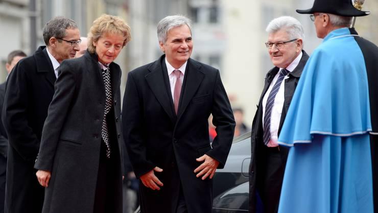 Österreichs Bundeskanzler Werner Faymann mit Bundesrätin Eveline Widmer-Schlumpf und den Regierungsräten Urs Hofmann und Roland Brogli