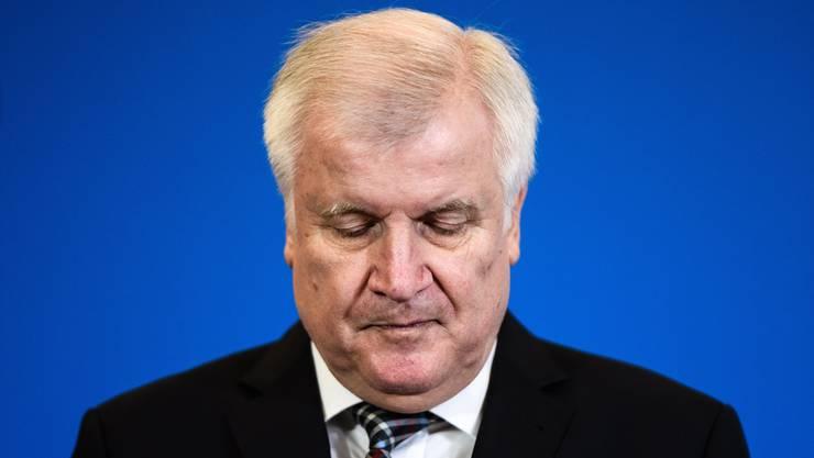 Noch ist unklar, ob Horst Seehofer seinen Parteivorsitz abgibt. Während Medien davon ausgehen, bestreitet er es.