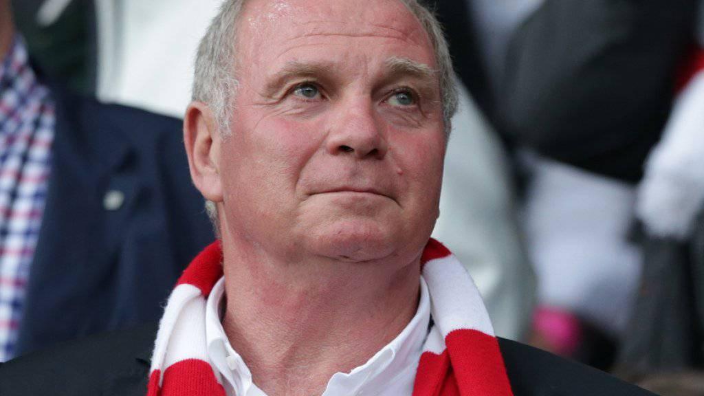 War im März 2014 wegen Hinterziehung von 28,5 Millionen Euro Steuern zu dreieinhalb Jahren Haft verurteilt worden: Uli Hoeness, Ex-Boss des FC Bayern München (Archiv)