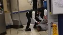 Die Polizei nimmt den Macheten-Mann fest
