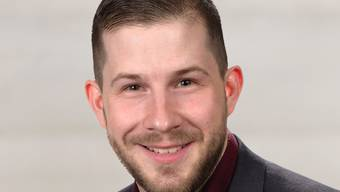 Der 30-jährige Florian Gerber ist am Wahlwochenende nicht zum Berner Ständerat, aber zum Parteipräsidenten der Partei national orientierter Schweizer (PNOS) gewählt worden. (Archiv)