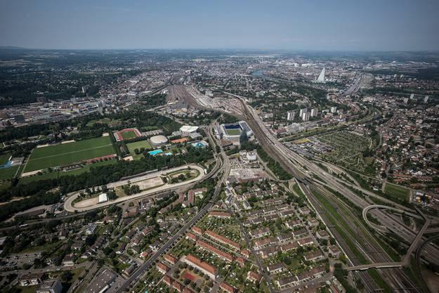 Der Rundflug startete im Joggeli auf den hinteren Fussballfeldern und führte über Muttenz nach Basel, Weil bis auf die Höhe von Kembs und zurück.