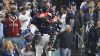 Die Boston Red Sox bejubeln ihren Titelgewinn, nachdem sie die Liga nach Belieben dominierten.