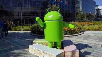 Google will in Europa Lizensgebühren für Apps von Geräteherstellern verlangen. (Archiv)
