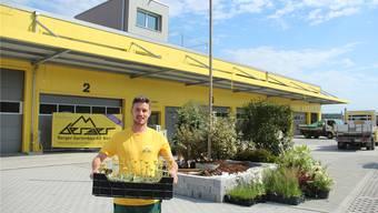 Inhaber Beat Keusch ist stolz auf seine Firma am neuen Standort in Boswil und die 35 Mitarbeiterinnen und Mitarbeiter. Heute wird gefeiert.