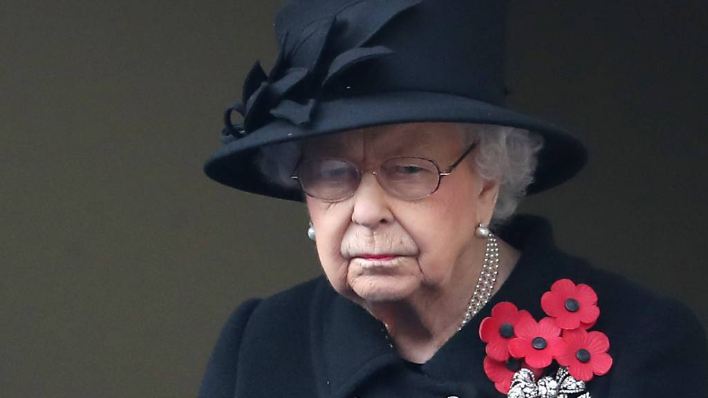 ARCHIV - Die britische Königin Elizabeth II. trauert um Prinz Philip. Ihren Geburtstag am 21. April will die Queen nicht feiern.