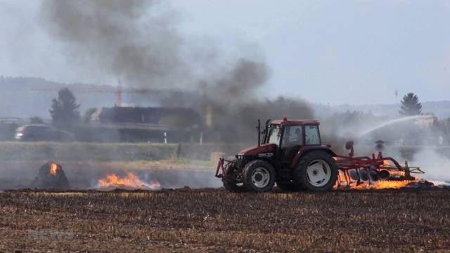 Strohballen-Inferno wegen Trockenheit in Alchenflüh