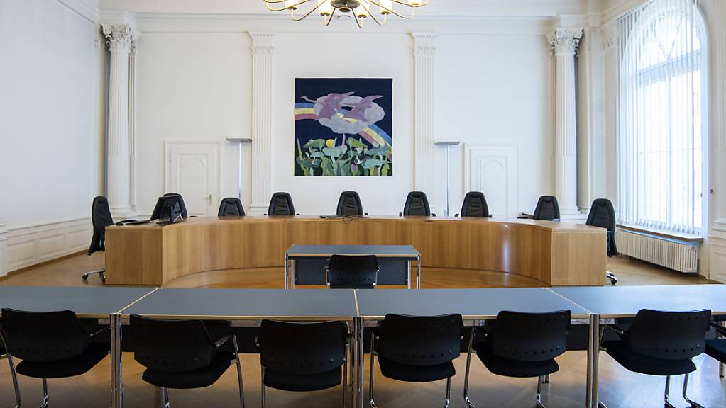 Der Prozess gegen einen Mann, der seinen acht Wochen alten Sohn getötet und sein zweites Baby misshandelt haben soll, findet im Saal des Obergerichts in Solothurn statt. (Archivbild)