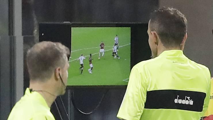 Heute entscheiden die Bosse der Schweizer Profiklubs an der Generalversammlung, ob der Videobeweis eingeführt wird.