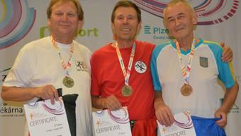 Paul Rudolf (mitte) ist der strahlende Sieger.