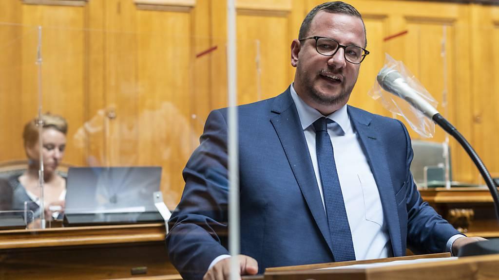 Der neue Fraktionspräsident der Mitte, Philipp Matthias Bregy, hier im September 2020 noch als CVP-Nationalrat am Rednerpult. (Archivbild)