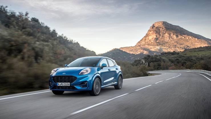 Die Frontleuchten sollen an einen Puma erinnern: Der kleine Ford will ein emotionales Auto sein.