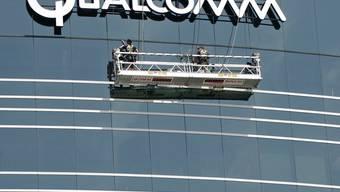 Der US-Chipkonzern Qualcomm legte vor zwei Wochen einen jahrelangen Patentstreit mit dem Technologiekonzern Apple bei. (Symbolbild)