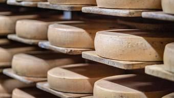 Die Zahl der Schweizer Käseexporte ist im ersten Semester 2020 gestiegen.