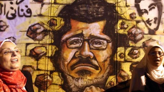 Ägyptens Präsident Mursi kommt immer stärker unter Druck