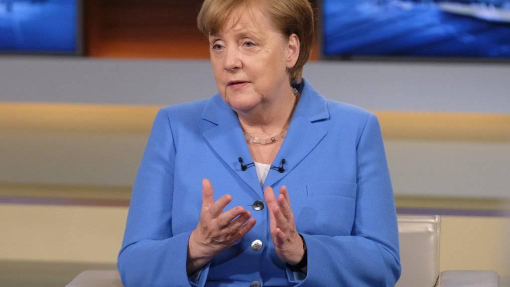 """""""Wir lassen uns nicht eins ums andere Mal über den Tisch ziehen"""": die deutsche Kanzlerin Angela Merkel in der TV-Sendung """"Anne Will""""."""