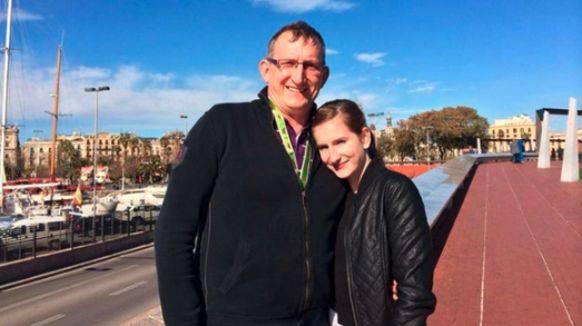 Vater und Tochter Messing.