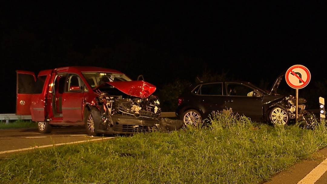 Thayngen (SH): Frontalkollision fordert drei Verletzte