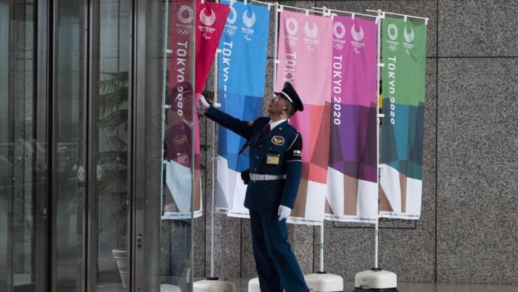 Die Olympischen Spiele in Tokio könnten verschoben werden, sagte erstmals auch Japans Premierminister Shinzo Abe