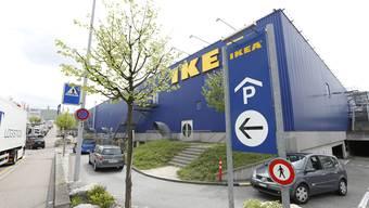 Statusgesellschaften wie Ikea werden mit der SV17 stärker besteuert, KMU hingegen entlastet. (Archiv)