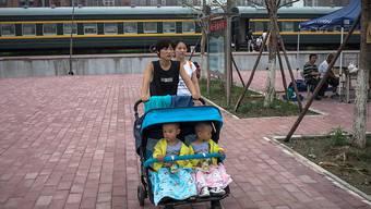 China will wegen der veränderten demographischen Entwicklung nun auch die Zwei-Kind-Politik abschaffen.