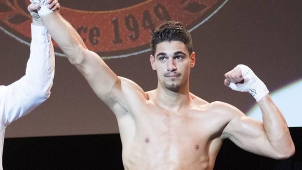 Davide Faraci gewinnt auch seinen fünften Profi-Kampf. (Archiv)