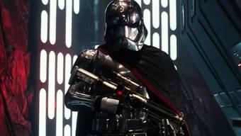 """Szene aus """"Star Wars: The Force Awakens"""". Der Film könnte schon morgen den Einspielrekord von """"Avatar"""" brechen (Archiv)."""